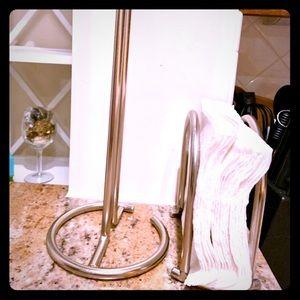 Paper towel holder and napkin organizer